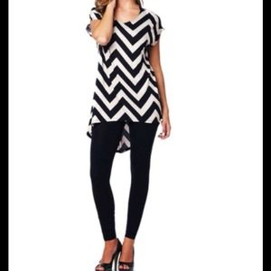 Tops - BLACK & TAN/CREAM CHEVRON BLOUSE!❤️