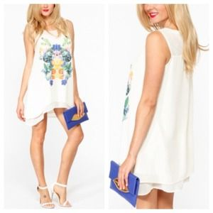 Dresses & Skirts - White Shift Dress Tunic + Diamond Mirror Print