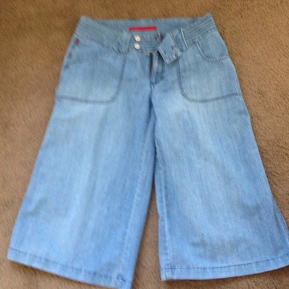 FIVE JEANS - SOLD STYLISH WIDE LEG DENIM CAPRIS from !shelly's ...