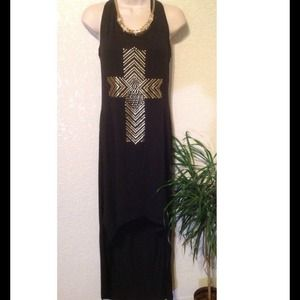 Dresses & Skirts - GORGEOUS HIGH/LOW MAXI WITH STUDDED CROSS!❤️