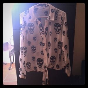 Tops - Very cute Skull design blouse top shirt size M