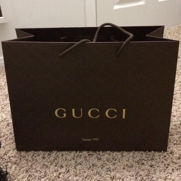 d88d7858374 Gucci Accessories - Gucci paper bag size 15