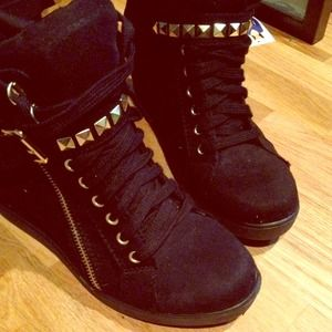 Shoes - Wedge sneaker