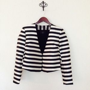 •Host Pick• Anthropologie Dolce Vita Blazer