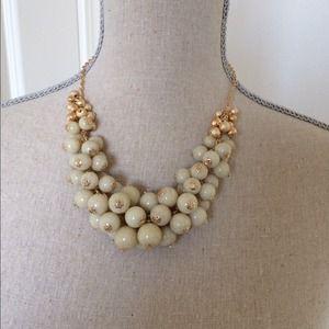 Ivory statement necklace set