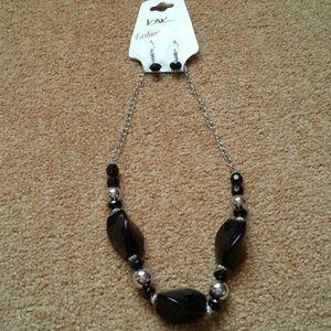 Nwot Black necklace set