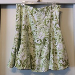 Hillard and Hanson Dresses & Skirts - Green and White Floral Skirt