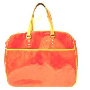 Louis Vuitton - Celine red Leather Gold Medium Trapeze Handbag ...