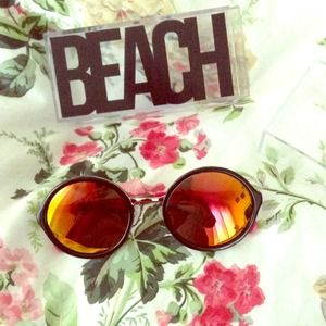 beach riot Accessories - Beach riot sunnies 1