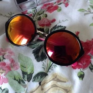 beach riot Accessories - Beach riot sunnies 2