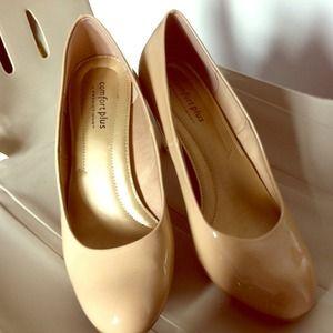 Shoes - Cute comfort plus heels