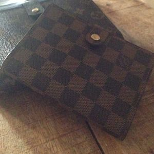 Louis Vuitton small ring agenda- damier
