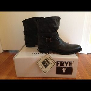 Frye Boots - Frye Dorado Short boots in black leather