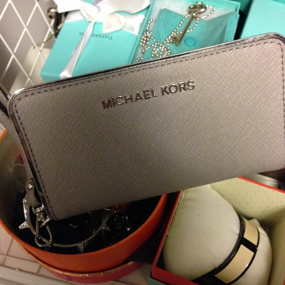 60dfdae5f90ef0 michael kors grey wristlet small camouflage handbag - Marwood ...