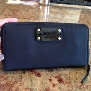 kate spade Clutches & Wallets - 100% authentic Kate spade wallet
