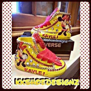 Custom converse Minnie mouse