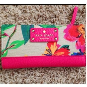 ♠️Kate Spade♠️ Floral Stacy Wallet♠️Host Pick♠️