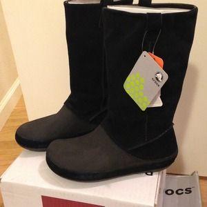 0eab7cf3528f2 Crocs Shoes - Crocs berryessa boots womens size 8