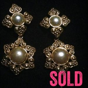 Authentic Vintage CHANEL Earrings 
