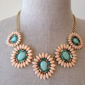 Jewelry - Peach and Mint statement necklace NEW 1