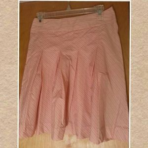 Old navy pink pleated skirt. Size 1.