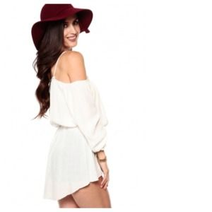 Tops - Gypsy Chic White Off The Shoulder Hi-Lo Top