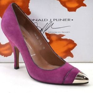 Donald Pliner Cap toe pumps