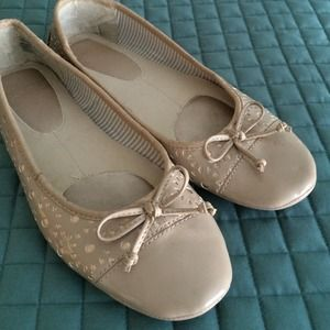 Shoes - Nude ballet flats