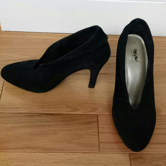 bba1996d2cb New Mossimo black suede shooties sz 5.5