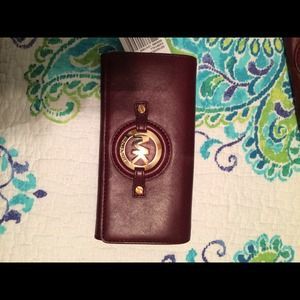 MICHAEL KORS wallet brand new with tags.