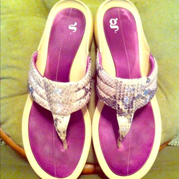 f3dbcb3b5f74 Nike G Series Sandals. Reduced !!! M 53405ec4de4f2844a90f43bc