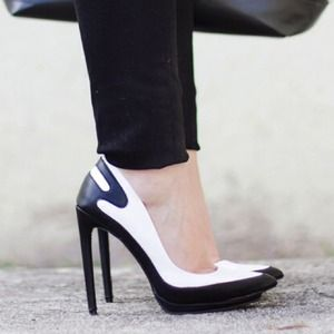 JustFab Shoes - Black + White Pumps