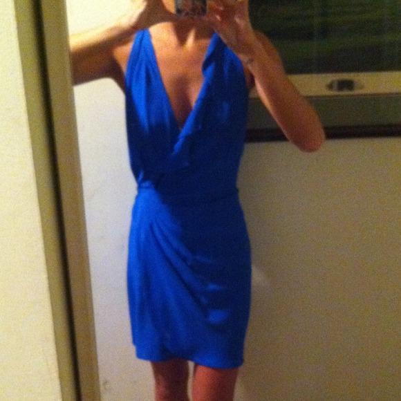 b2cbbe6bc8d ... Parker silk blue wrap mini dress. M 534098530fb6cd59a91255aa