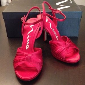 Shoes - Red rouge strap heel
