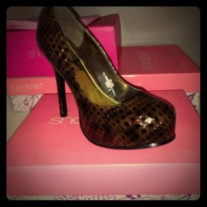 Shoedazzle Shoes - Snakeskin Print Brown Platform Pump SZ8 NEVER WORN