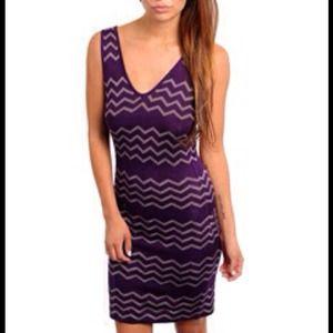 Dresses & Skirts - Quality Trina Turk style ZigZag stretch knit dress