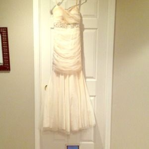 Dresses & Skirts - Creme prom dress. Size four. Worn once!