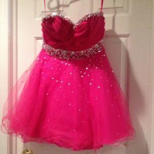 Dresses & Skirts - Homecoming dress. Worn once.