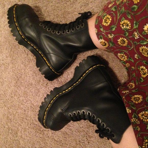 b868de515e9e Dr. Martens Boots - Doc Martens Air Wair Steel Toe Black Boots