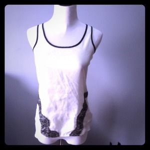 White top with black lace Express XS