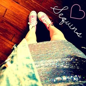 Dresses & Skirts - NEW Sequin Dress