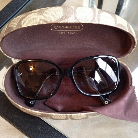 0a57de94f5e0c Coach Accessories - Coach Frances sunglasses