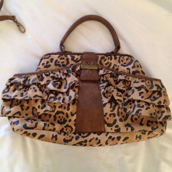 bf170f8cd6bc Jessica Simpson Handbags - Jessica Simpson Leopard print purse