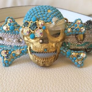 Accessories - ✨HP✨ Crystal Skull Large Belt Blinged Out