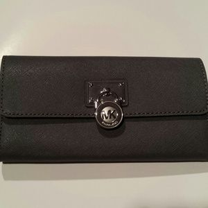 michael kors hamilton wallet black