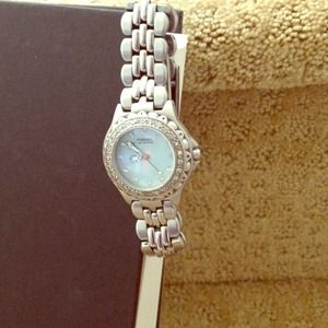 Fossil watch with cubic zirconia detail