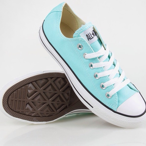 Tiffany blue converse!