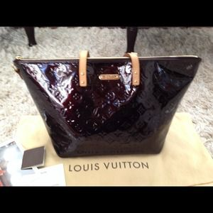 Louis Vuitton Monogram Vernis Bellevue GM Amarante