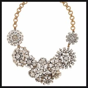 ✅Lattice Flower Statement Necklace