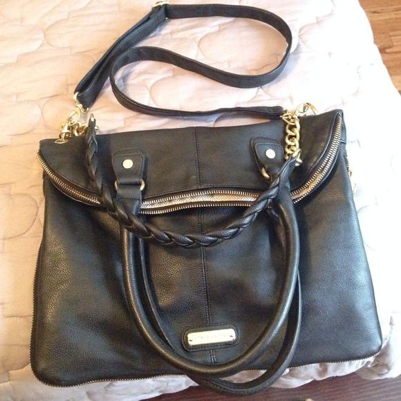 0a706a0ad1 Steve Madden black and gold purse. M_534422e8fab8363d5d28117e
